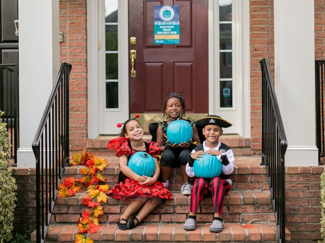 National initiative uses teal pumpkins to keep kids safe