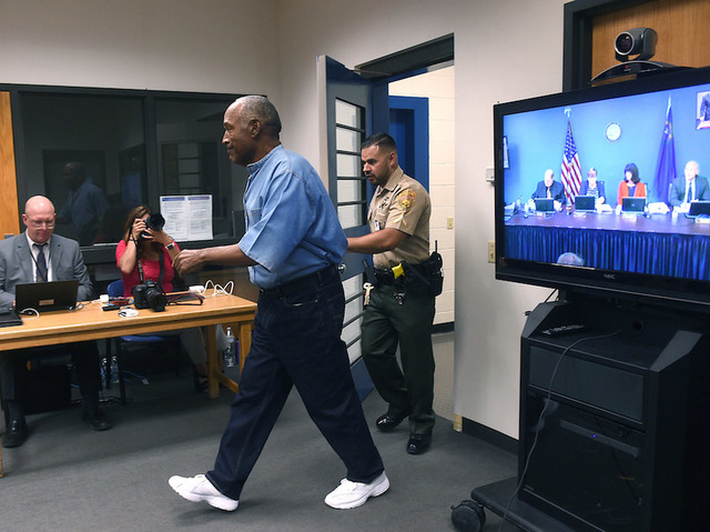 Former NFL star OJ Simpson granted parole