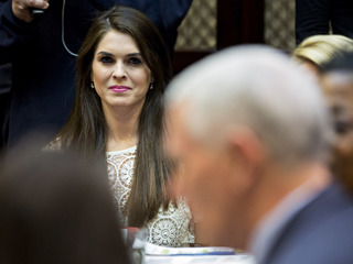 Hope Hicks named interim WH comms director
