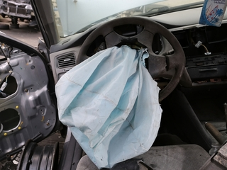 Consumer group: GM stalling on air bag recall