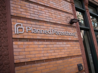 Judge blocks Planned Parenthood grant cuts