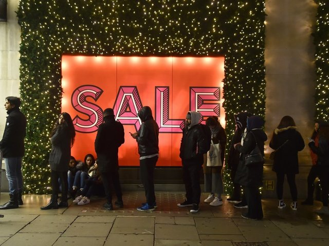 Holiday Sales Jump 4.9%: Largest One-Year Improvement Since 2011