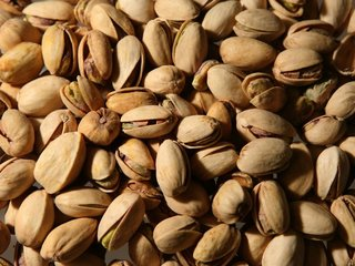 China might slap tariffs on US fruits and nuts