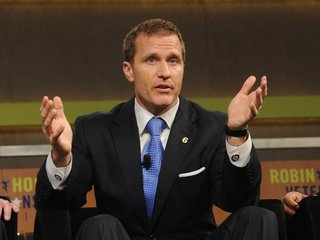 Felony case against Greitens will continue