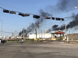 No fatalities after explosion at Texas refinery