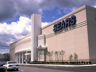 Sears CEO's hedge fund offers to buy Kenmore