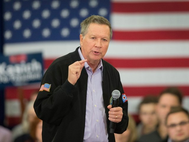 Kasich to sign executive order about background checks for gun purchases